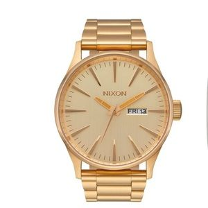 NIXON The Sentry SS 42mm Gold Watch